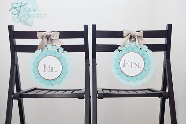 ST_DIY_Mr_Mrs_wedding_chair_signs_1
