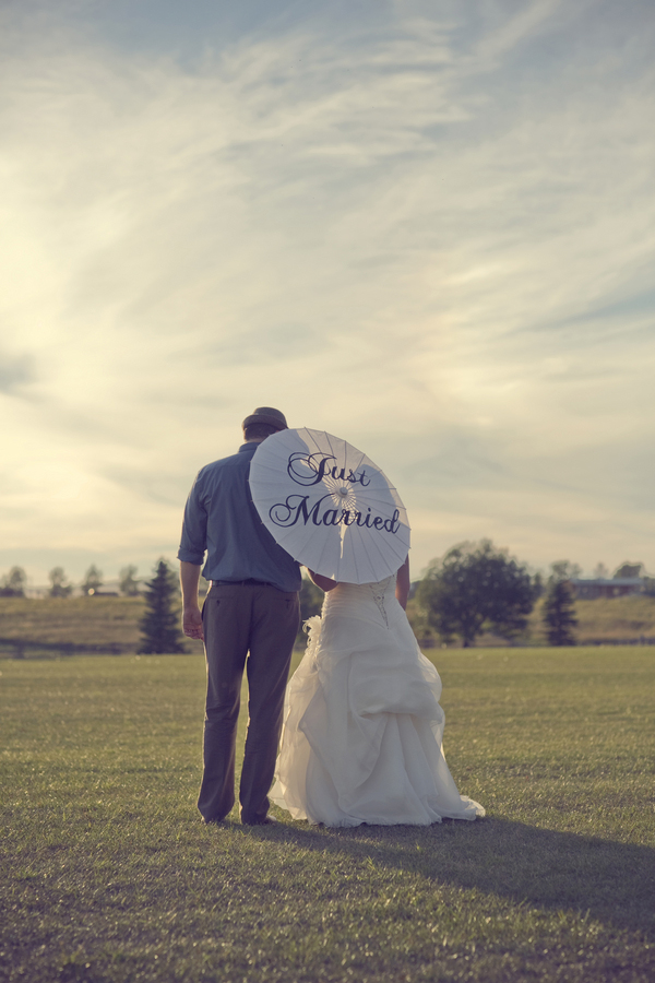 ST_Red_Bloom_Photography_rustic_wedding_23