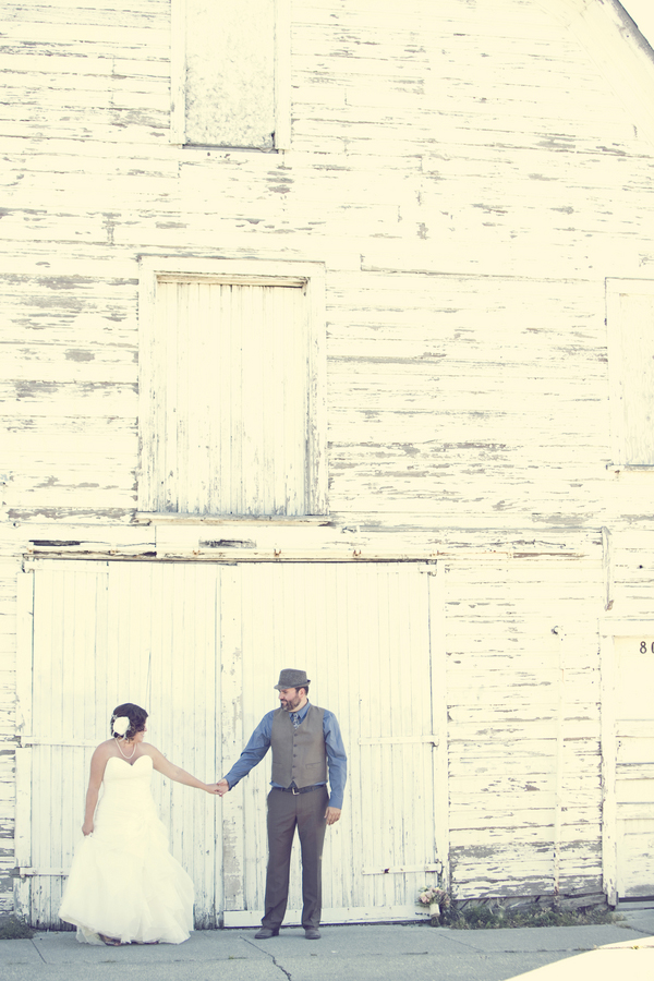 ST_Red_Bloom_Photography_rustic_wedding_6