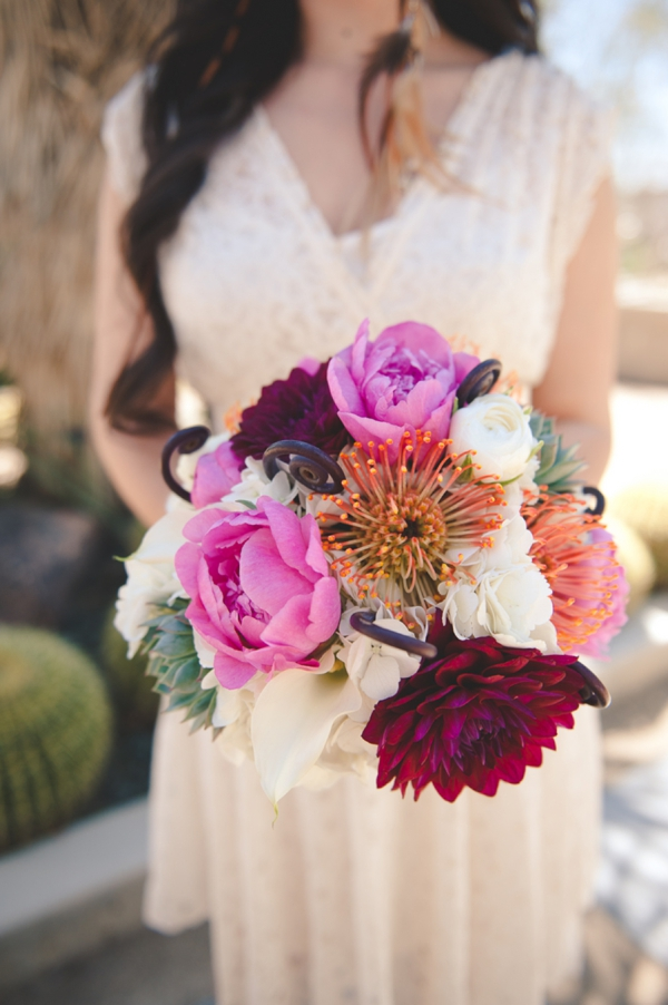 ST_Bit_of_Ivory_Photography_desert_wedding_inspiration_0003.jpg