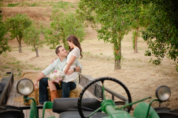 ST_Marcella_Treybig_Photography_orchard_engagement_0006.jpg