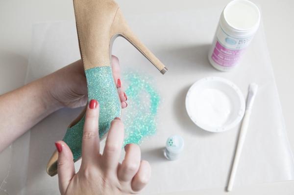 ST_DIY_glittered_statement_heels_0005.jpg