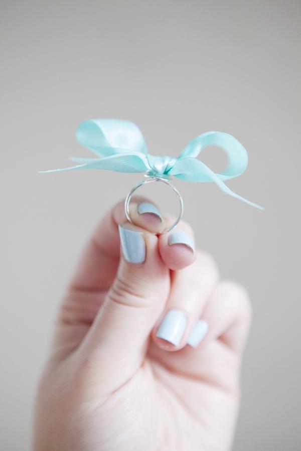 ST-DIY-stiff-ribbon-bow-ring-bridesmaid-gift_0010.jpg