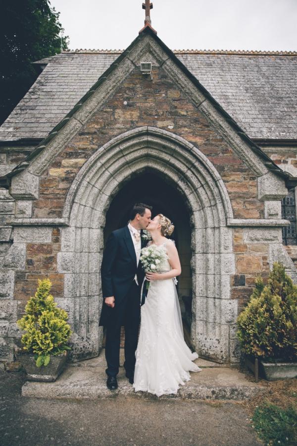 SomethingTurquoise_DIY_Wedding_Ross_Talling_Photography_0015.jpg