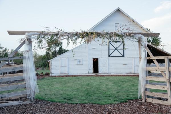 SomethingTurquoise_rustic_DIY_wedding_Captured_by_Corrin_0009.jpg
