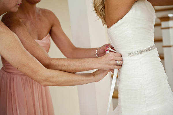 SomethingTurquoise_Jen_Harvey_Photography_beach_wedding_0003.jpg