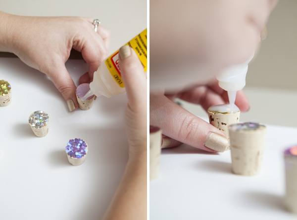 SomethingTurquoise_DIY_glitter_wine_stoppers_favors_gifts_0008.jpg