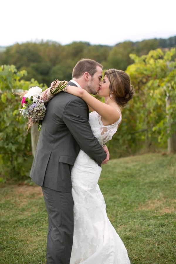 SomethingTurquoise_DIY_winery_wedding_Gayle_Driver_Photography_0028.jpg