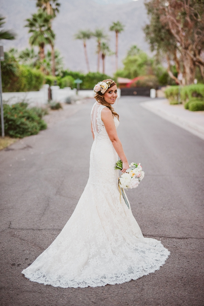 We're loving this gorgeous Bride's wedding day style and flower crown!