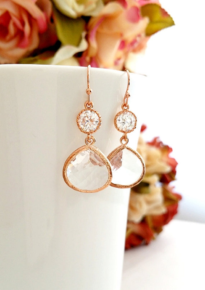Swooning over these pretty rose gold drop earrings!