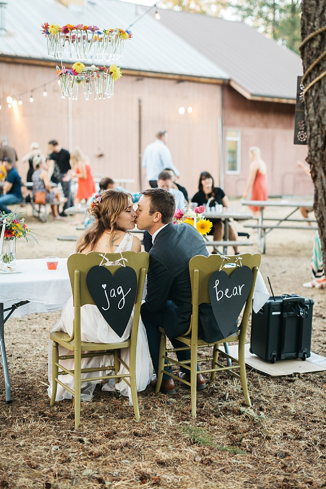 How amazingly sweet is this couple and their sweetheart table?! Swoon!