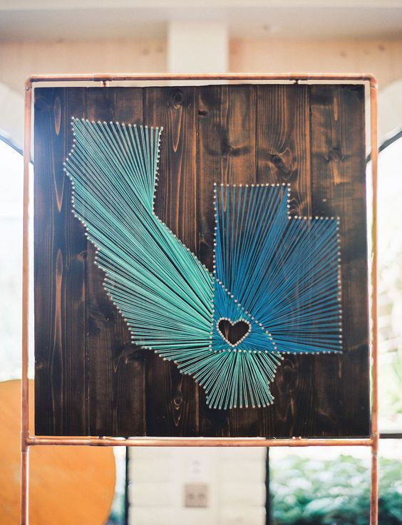 String Art gives nod to couple's home states.