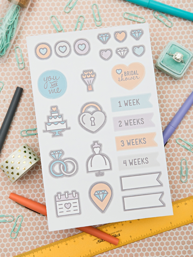 How adorable are these DIY wedding planning stickers!?