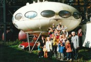 Witte with kids and UFO