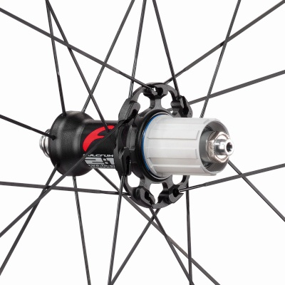 2016_Racing_Quattro_Carbon_hub_rear_mask