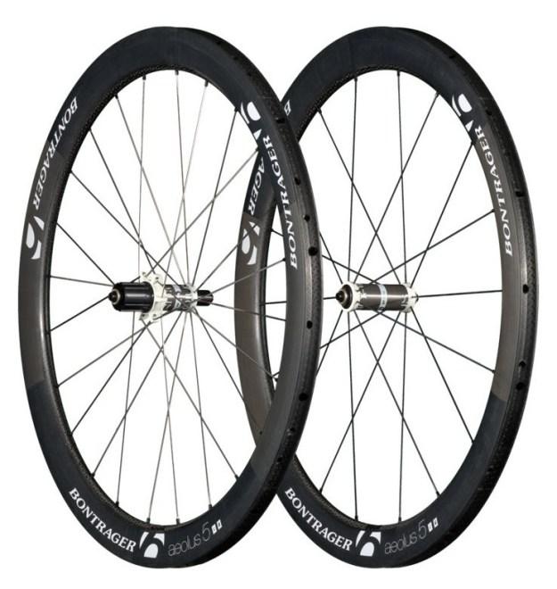 bontrager-aeolus-5-d3-tubular-wheel-carbon-white