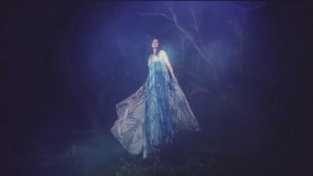 Light & Clear - neues Video der israelischen Dream-Pop-Künstlerin Enest