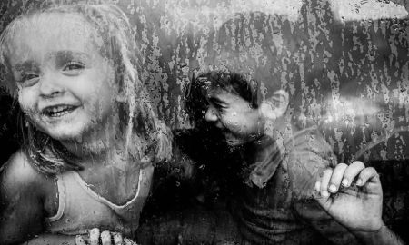 MIND-BLOWING-ARTISTIC-CHILD-PHOTOGRAPHY-BW-CHILD-2015-PHOTO-CONTEST-RESULTS25__880