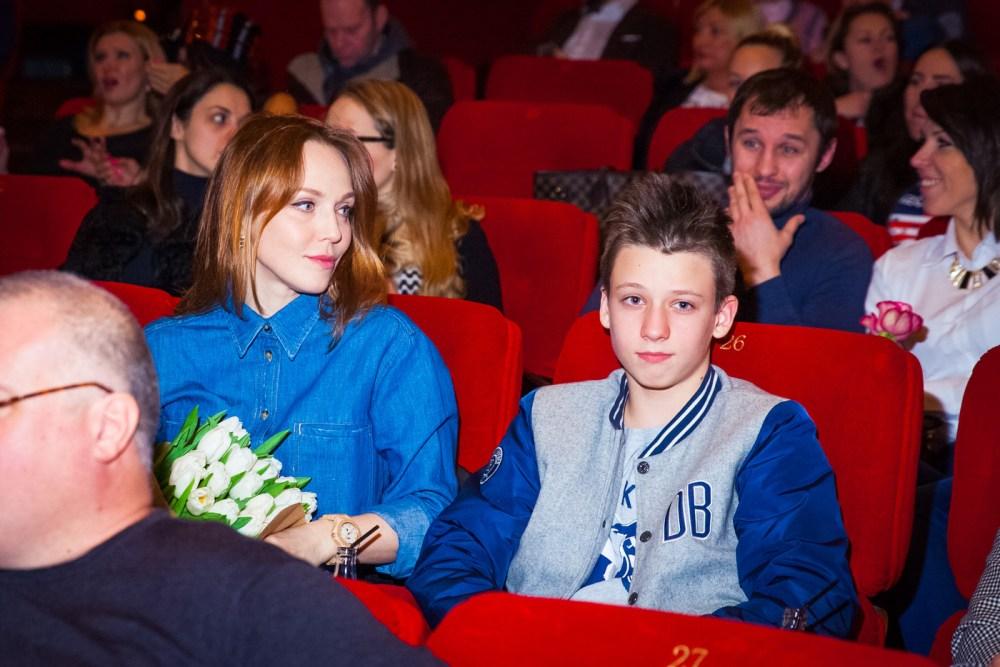 Джанабаева со старшим сыном от Меладзе