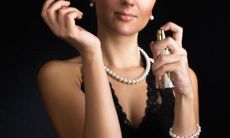 bigstock-Elegant-woman-with-perfume-on-25202972