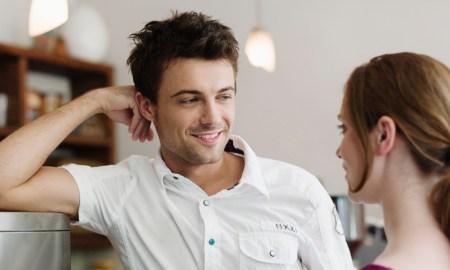 Психологический трюк, чтобы влюбить в себя человека за несколько минут