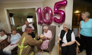 105-year-old-grandmother-birthday-wish-fireman-ivena-smailes-2