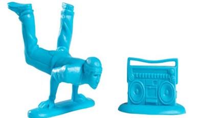plastic_breakdancers-kidrobot-2-skeuds
