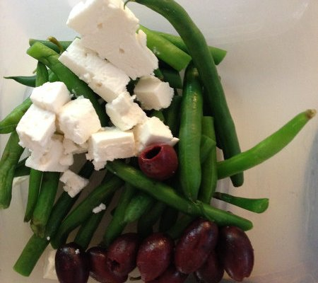Easy Lunch Idea: Green Beans, Feta and Olives