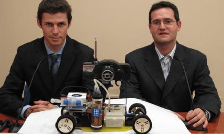 Crean el primer coche de radio control que funciona con anillas de latas de refresco