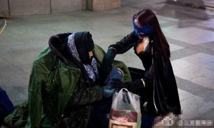 La superheroína sexy que ayuda a los pobres en China