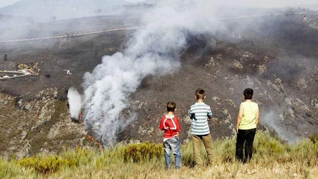 Incendio forestal en Los Ancares - Foto de La Voz de Galicia