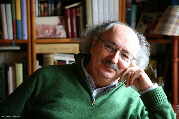 El poeta bañezano Antonio Colinas