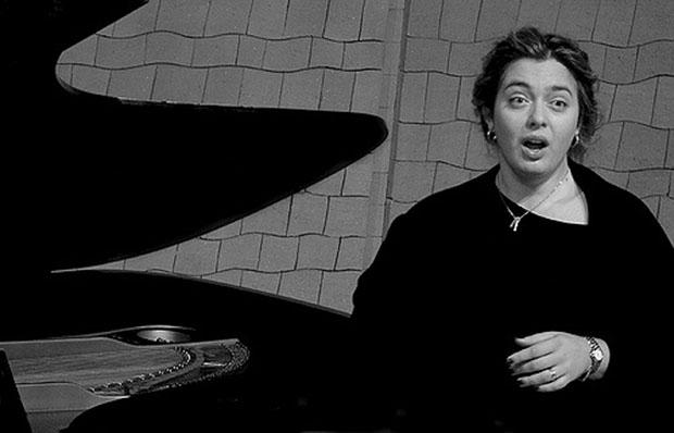 Pilar Vázquez Burguete, mezzosoprano