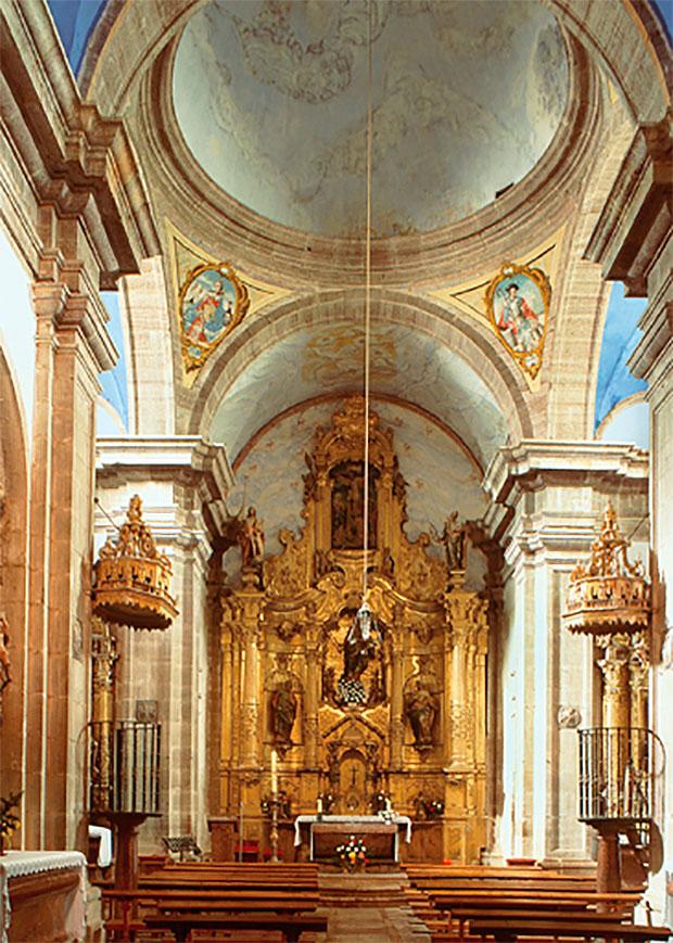 Interior de la iglesia de Lois (León)