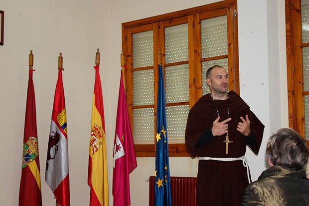 Manuel Martínez hablando de Fray Gerundio de Campazas en Gordoncillo