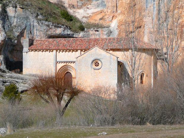 Ermita de San Bartolomé en el Cañón del Río Lobos (Soria)