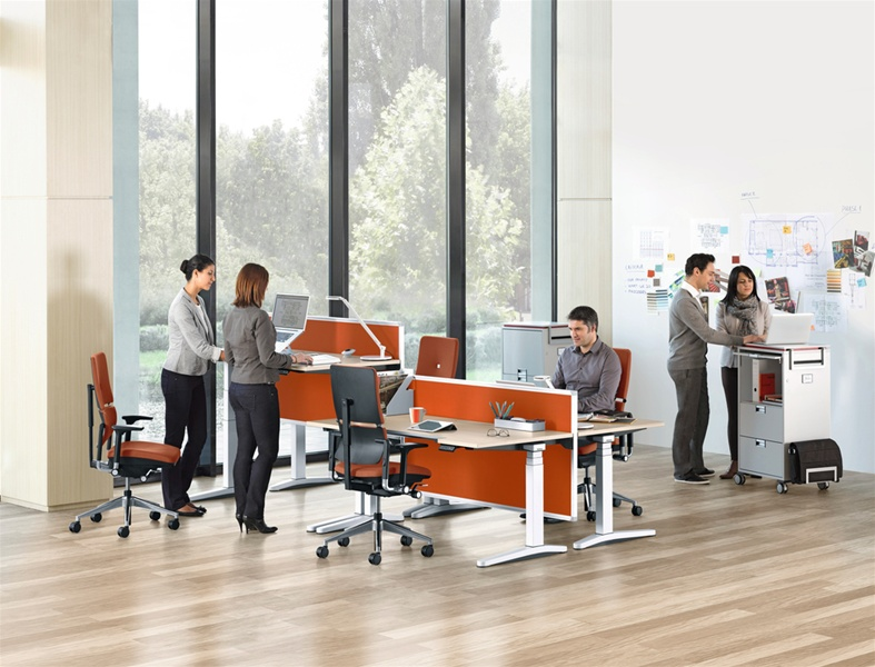 Picture of Steelcase Height-adjustable desks office desk systems