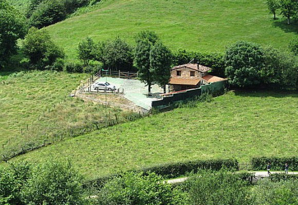 Traditional mountain cabin for sale in Ponga, Asturias