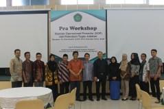 Foto Bersama Rektor, pemateri dan staff SPI