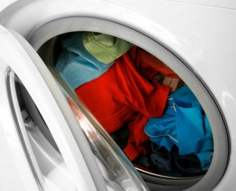 Καθαρίζοντας το πλυντήριό σας θα έχετε και πιο καθαρά ρούχα!