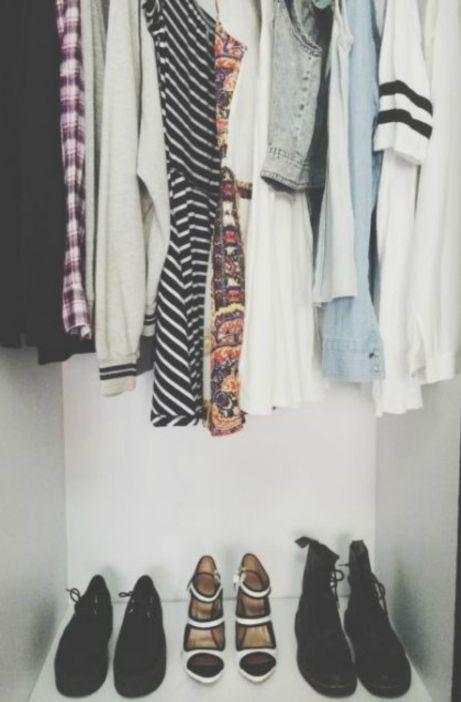 Βάλτε τα ρούχα σε κατηγορίες γα να μπορείτε να τα αξιοποιήσετε καλύτερα.