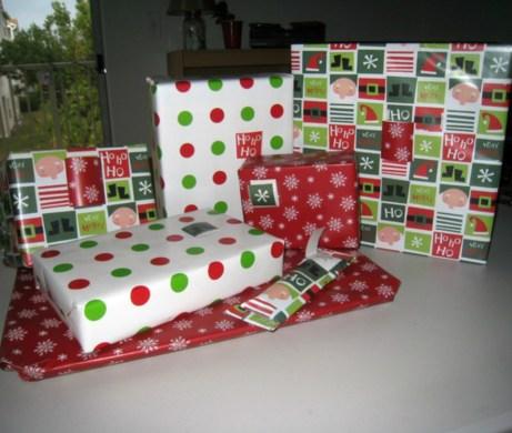 Μην τυλίγετε τα χριστουγεννιάτικα δώρα με το ίδιο χαρτί όπως τυλίγετε τα υπόλοιπα δώρα.
