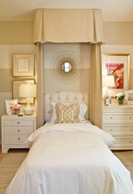 Λευκό, μπεζ και χρυσό είναι τρία χρώματα που ταιριάζουν σε κάθε υπνοδωμάτιο. Επιπλέον δημιουργούν θετική διάθεση και υποστηρίζονται πολύ και από το φενγκ σούι.