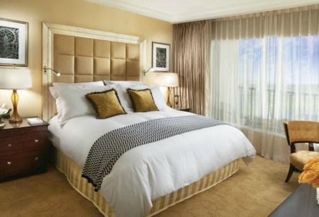 Για οικονομική ευημερία επιλέξτε αποχρώσεις του χρυσού για το υπνοδωμάτιό σας.