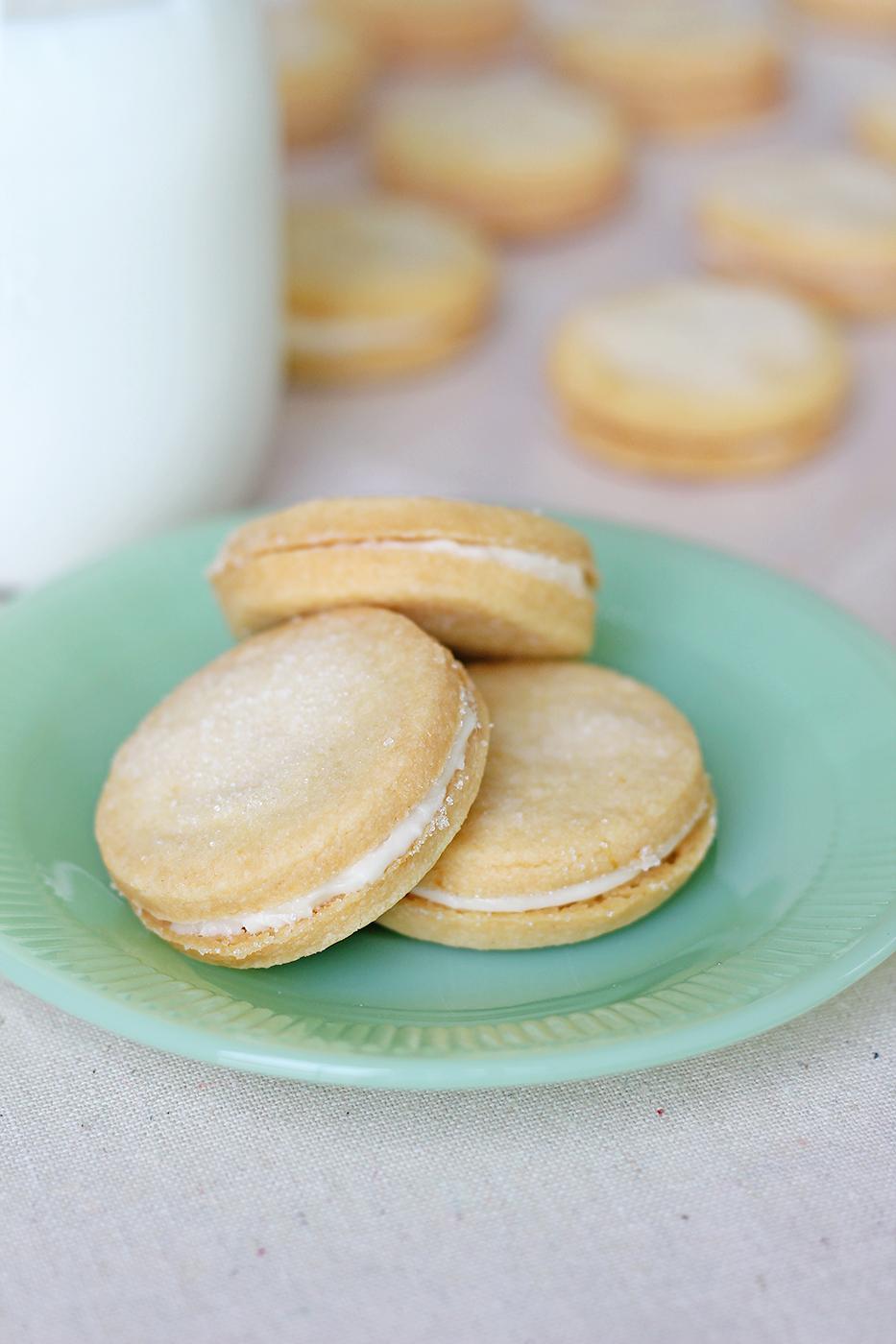 Taste of sunshine: Lemon sandwich cookies - Splash of ...