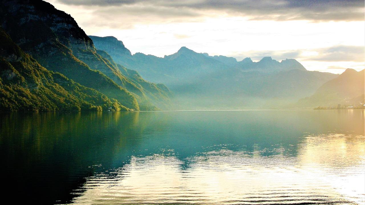 lake-2816802_1280