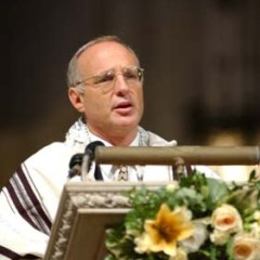 (RNS7-FEB17) Rabbi David Saperstein, director of the Religious Action Center of Reform Judaism, preaches at a Washington, D.C., service in 2002. He says the Ten Commandments continue to be featured artistically in synagogues. See RNS-TEN-PREACH, transmitted Feb. 17, 2005. Photo courtesy of the Religious Action Center of Reform Judaism.