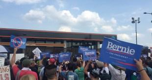 Bernie Sanders fans at the DNC in Philadelphia/neverbutterfly - Flickr