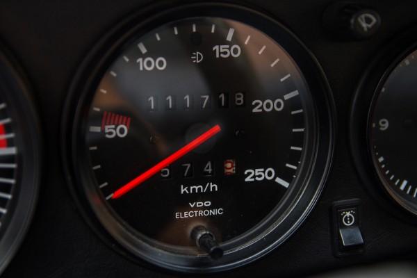 Porsche 911 3.0 Branco (14)