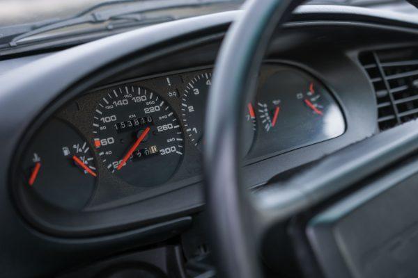 porsche-944-turbo-12